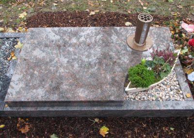 Urnengräber Granit 0012