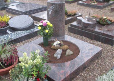 Urnengräber Granit 0013