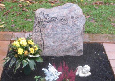 Urnengräber Granit 0017