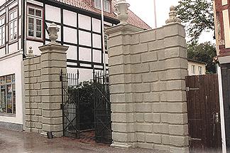 Sandsteinpylonen Prinzenhof Rinteln